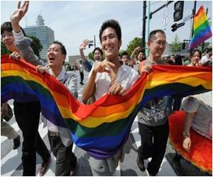 For Gay Marriage Thousands in Taiwan Rally
