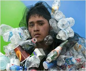 Trash-for-Food Market Helps Clean Up Mexico City