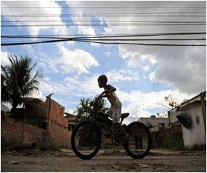 Authorities Face Fight by Favela Residents in Rio for 2016 Olympics