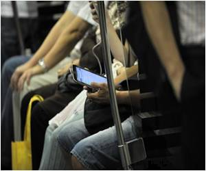 Smartphone Addiction Rampant in Singapore
