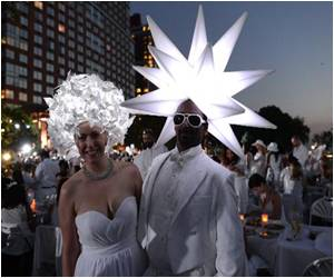 NY Goes Back to Dinner in White Tradition