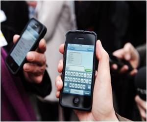 Free Smartphone Chat Apps Taking Over Text Messaging