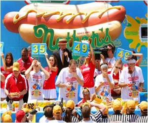 Chestnut Downs Record 69 Dogs To Win Fourth of July Nathan's Hot Dog Eating Contest