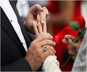 Study Says One-third of US Marriages Start Online
