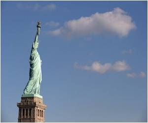 US Interior Secretary: Storm-damaged Statue of Liberty to Reopen by July 4