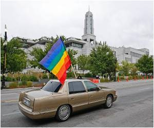 Top US Court Approached by Utah Regarding Gay Marriage Ruling