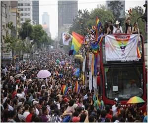 In Mexico City, 80,000 People Participated for Gay Pride March
