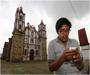 Now Mexico Town Runs It's own Cell Service