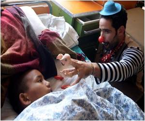 Israeli Medical Clowns Try to Help Ease Nepal Quake Trauma by Making Kids Laugh