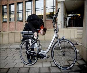 The Netherlands Launch 'Intelligent Bicycle' That Warns of Danger