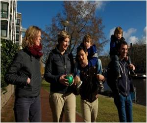 Rights of Three or More Gay Parents Debated By Dutch Government