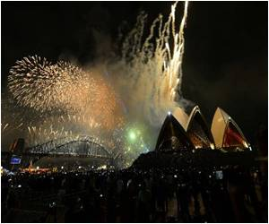 Global New Year 2014 Party Starts in Sydney With Dazzling Fireworks