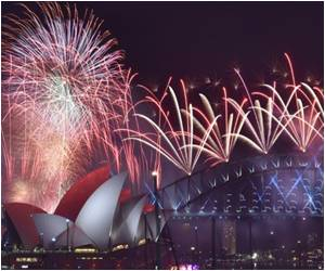 The World Welcomes 2016 With Enthusiasm Despite Fears of Terror Attacks