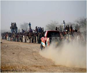 Pakistan Accelerates Jeep Rally to Boost Desert Tourism