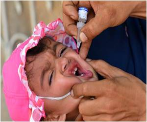 Offensive Exodus in Pakistan Triggers Fears of Polio