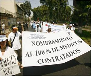 Peru Medical Works on a Strike