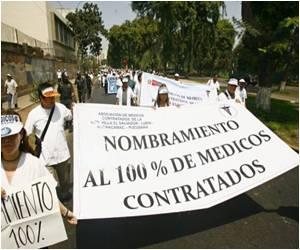 Peru Medical Works on a Strike