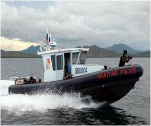 Philippine Police Gunboats Anger China in Fishing Fight