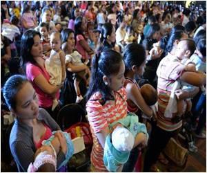 Philippines Attempts to Break Mass Breastfeeding Record
