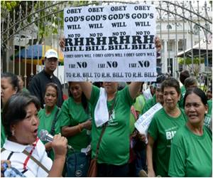 Philippine Parliament Scraps 2016's Budget for Contraceptives