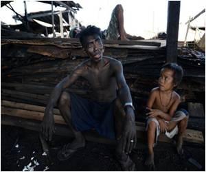Monochrome Life of Manila's Charcoal Slum