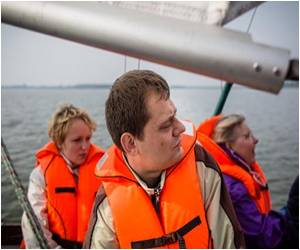 On Polish Waters, Blind Sailors 'See the Sea'