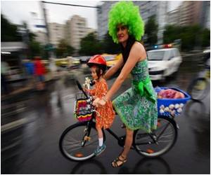 'Stylish' Cycling Promoted By Skirt-clad Romanian Women