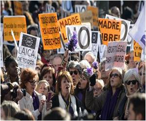 Regional Lawmakers in Spain Challenge Spain's Plan to Ban Women from Freely Opting for Abortions