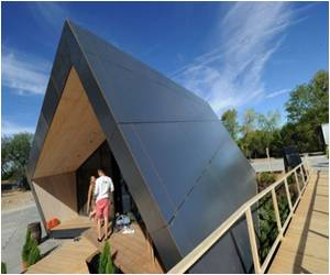 Madrid Contest: Swivelling Solar Home Steals the Show