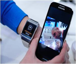 Smartphone Giants Unleash New Wearable Devices