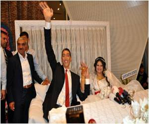 Wedding Bells for the World's Tallest Man