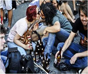 Alcohol Legislation Not Stopping Youth from Enjoying the Night Life in Turkey