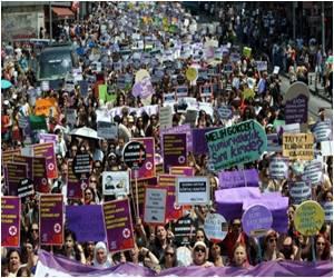 Turkish Women Demonstrate, Plan To Lessen Abortion Limit