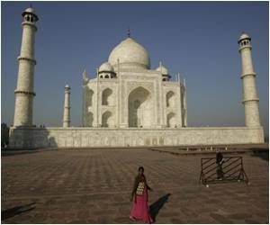 Authorities in Surat Create Diamond-Studded Miniature Taj Mahal