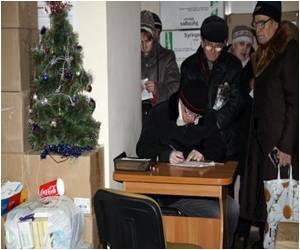 A Rebel Pharmacy Seeks to Ease Pain In Ukraine War Zone