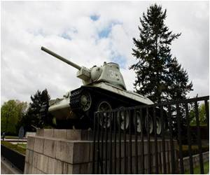 Call to Remove Russian Tanks from WWII Memorial Rejected by Germany