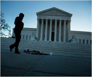 Supreme Court Blocks Restrictions on Abortion Clinics in Louisiana