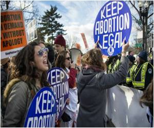 US Supreme Court Temporarily Halts the Closure of Texas Abortion Clinics