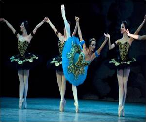 Eight Dancers from Cuba's National Ballet Defected to the US
