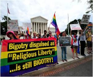 US Supreme Court Set to Grapple With Gay Marriage Once Again