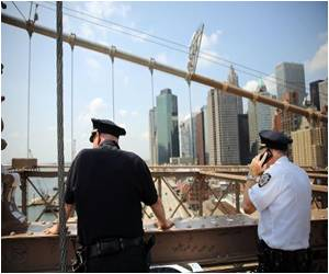Two German Artists Claim Brooklyn Bridge Flag Stunt