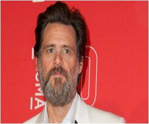 Actor Jim Carrey Slams 'Fascist' California Vaccine Order, Claims It can Poison Kids