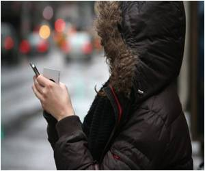 Survey Says US Teens Go Mobile for Internet