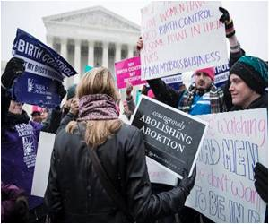 US Supreme Court Hears Contraception Case Arguments