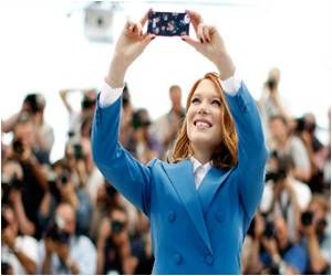 Selfie Addiction may Lead to Low Self-esteem: Study