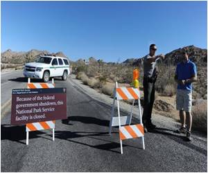 Tourists Kicked Out of Landmark US Parks Due to the Government Shutdown