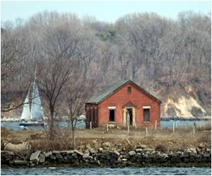 Tiny New York Island Host to More Than a Million Buried in Mass Graves
