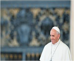 Pope Focuses on 'Service' for Women