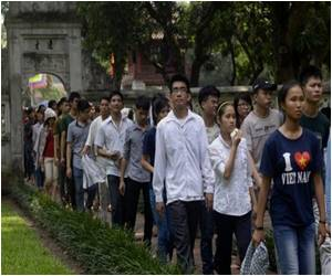 Students Interested in Communism to be Provided Free Classes in Vietnam