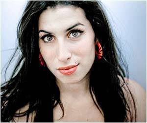 Golf to Help Amy Winehouse Keep Away from Drink and Drugs